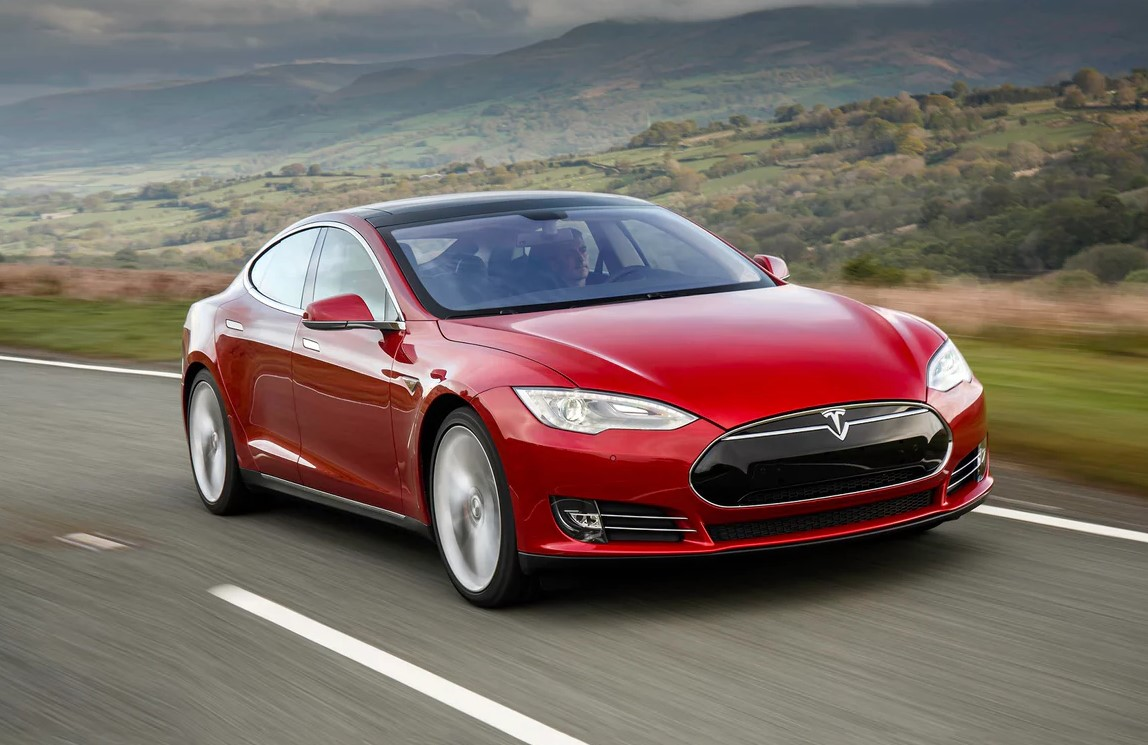 Just A Firmware Update Made The 2019 Tesla Model S, The Fastest Accelerating Vehicle In The World